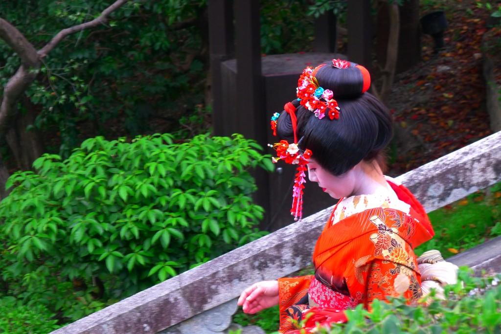 A geisha at Kiyomizudera in Kyoto